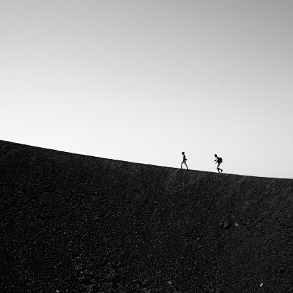 running-uphill-650x433